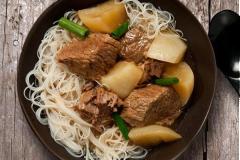 Thịt bò om củ cải