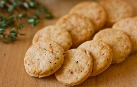 Bánh quy thịt hun khói