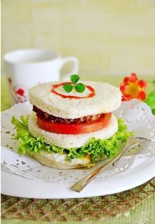 Bánh sandwich bò
