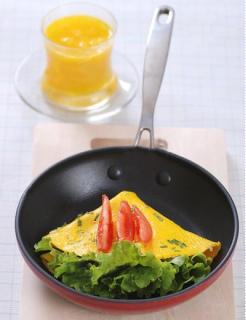 Trứng rán cuộn rau diếp