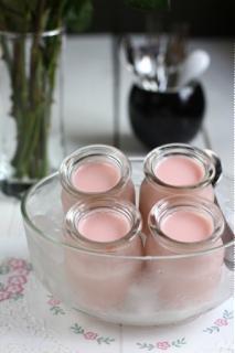 Sữa chua dâu