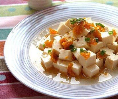 Đậu hũ luộc mix trứng muối