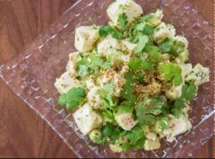 Salad đậu phụ bơ trái