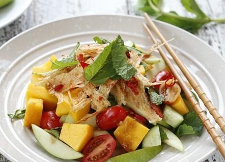 Salad xoài trộn mực
