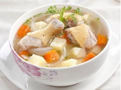 Canh gà nấu khoai tây
