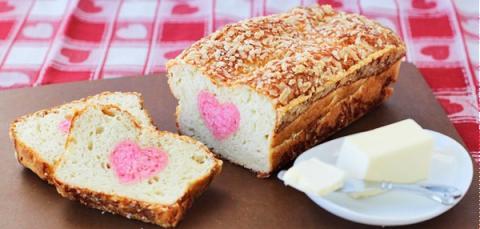 Bánh mì nhân trái tim