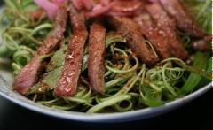 Nộm thịt bò rau muống