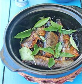 Cá kho húng quế
