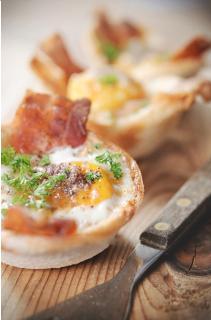 Bánh trứng thịt xông khói