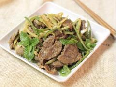 Thịt bò trộn dưa leo