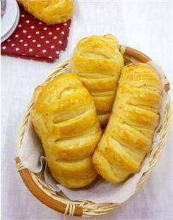 Bánh mì bơ nhân phô mai gà