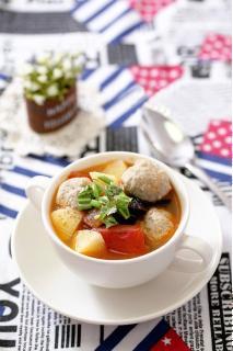 Canh khoai tây bò viên
