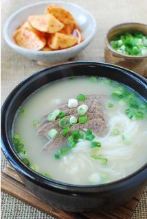 Canh xương bò kiểu Hàn