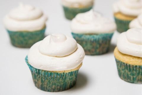 Cupcake Bơ