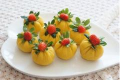 Khoai lang bọc dâu tây
