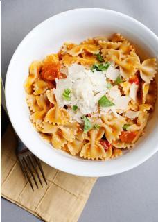 Pasta trộn sốt cà chua nướng