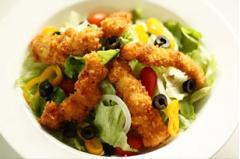 Salad gà chiên