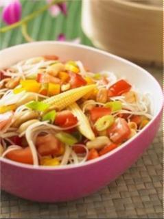 Salad mì Á Đông