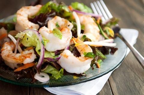 Salad tôm thái chua cay