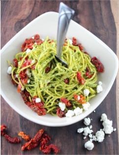 Spaghetti trộn nước sốt cải xoắn