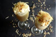 Smoothie kem dừa kiểu Thái