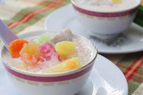 Chè khoai sữa dừa