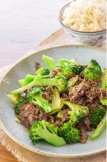 Thịt bò xào bông cải xanh