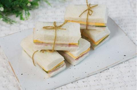 Sandwich kẹp hình chữ nhật