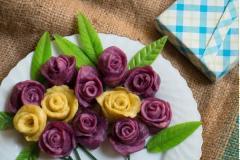 Bánh khoai hấp hình hoa hồng