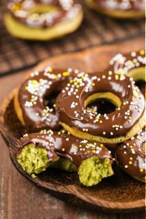 Bánh donut trà xanh