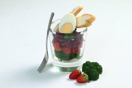 Salad trứng dâu tây