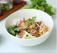 Bún trộn nấm