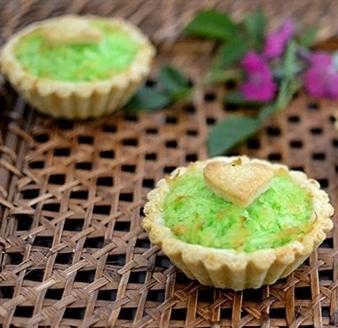 Tart dừa vị lá dứa