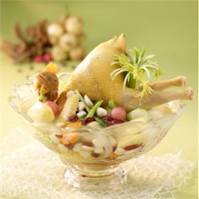 Gà nhồi thịt hầm nấm