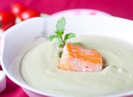 Súp kem đậu hà lan cá hồi