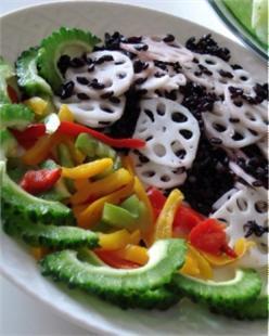 Salad củ sen nếp cẩm