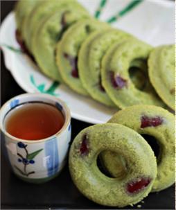 Bánh donuts trà xanh đậu đỏ