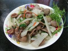 Bao tử cá xào củ cải trắng