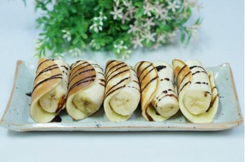 Bánh Pancake cuộn chuối