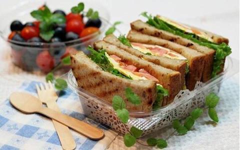 Bánh mỳ sandwich trứng
