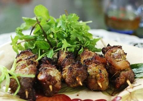 Thịt lợn ướp riềng mẻ mắm tôm nướng