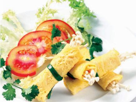 Trứng cuộn nấm kim châm