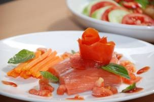 Cá hồi nướng sốt cà chua