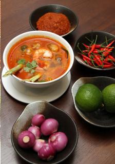 Súp tôm chua cay kiểu Thái