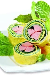 Xúc xích cuộn kiểu Sushi