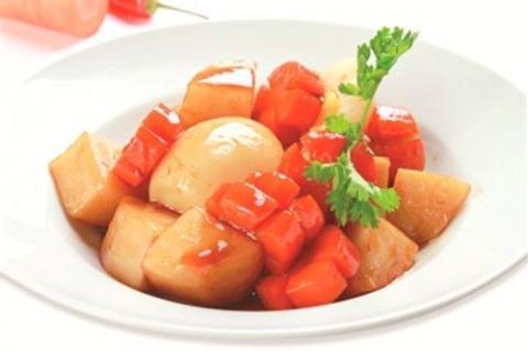 Hột vịt kho su hào cà rốt