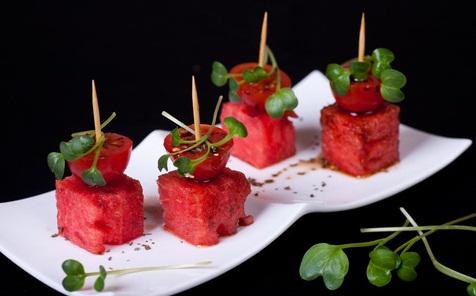 Xiên dưa hấu cà chua
