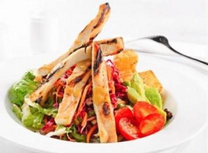 Salad gà nướng bơ tươi