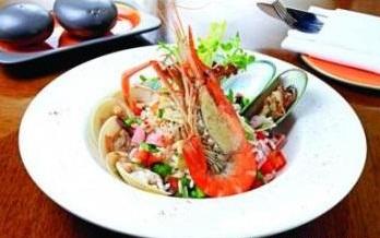 Salad risotto hải sản