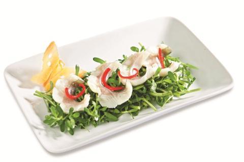 Gỏi rau đắng trộn cá basa